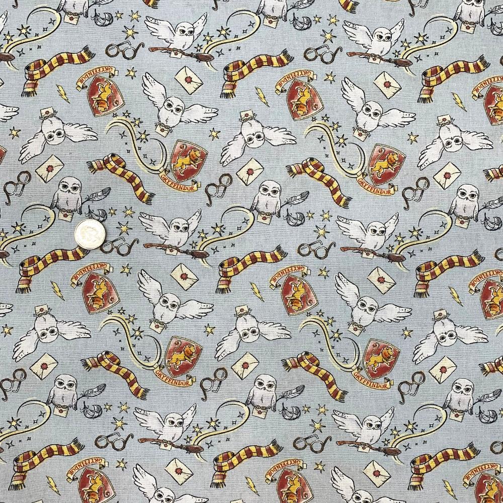 100% Cotton Digital Fabric Harry Potter Gryffindor Owl Broom Wizard 150cm Wide