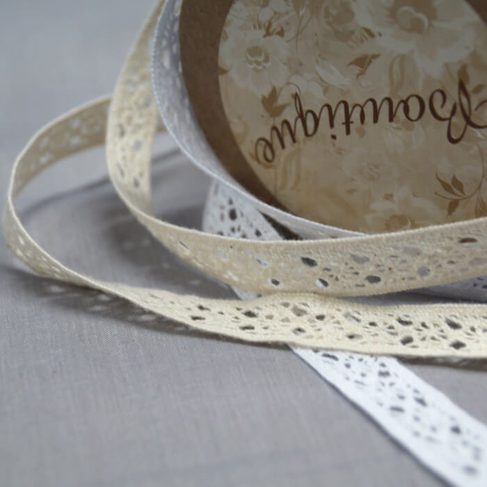 Bowtique Vintage Lace Trim Ribbon 12mm x 5m Reel