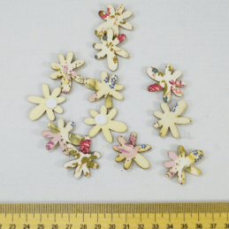 12 x Floral Pattern Wooden Flower Embellishments Craft Cardmaking Scrapbooking