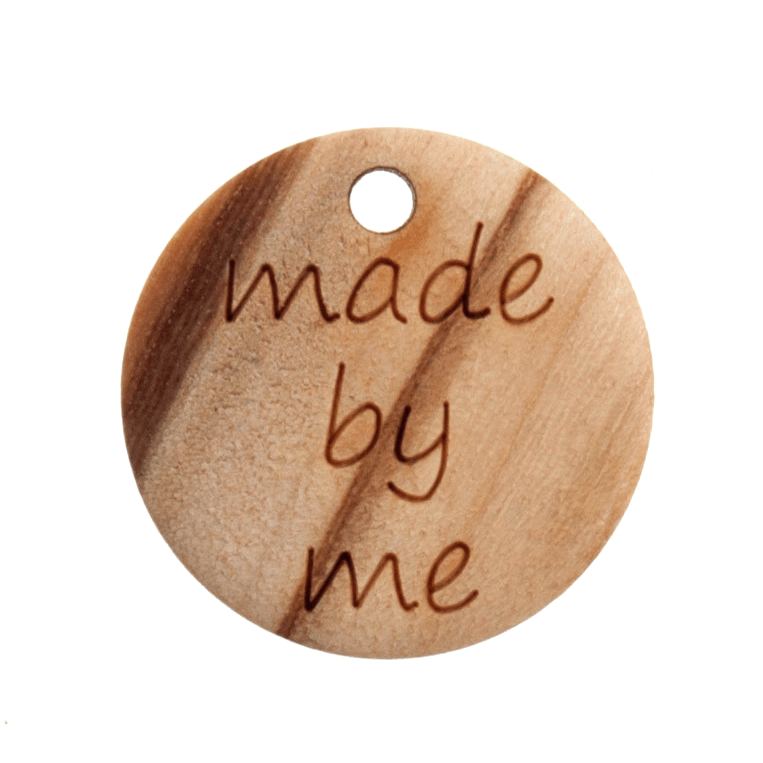 """2 x 18mm """"Made By Me"""" Wooden Button Tag 28 lignes Buttons Trimits"""