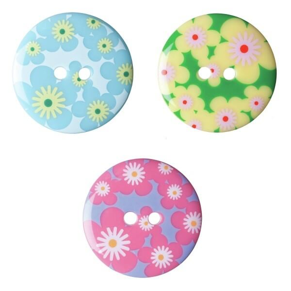 Pack of 2 Hemline Floral Daisy 2 Hole Sew Through Buttons 22.5mm
