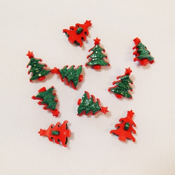 10 x 22mm Christmas Tree Red and Green Plastic Shank Back Festive Craft Buttons