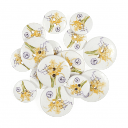 15 x Assorted Floral Daffodil Stamps Wooden Craft Buttons 18mm - 25mm