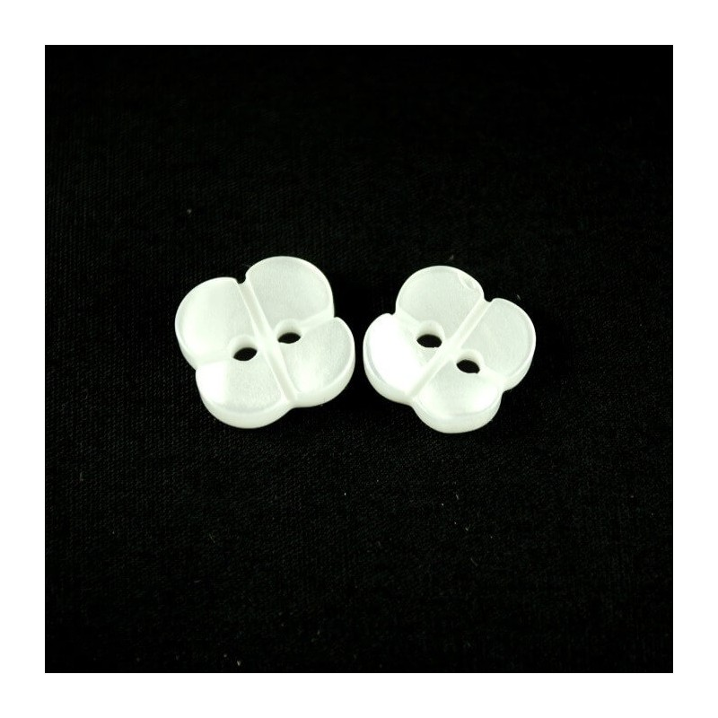 Metallic White Four Leaf Clover Plastic Buttons