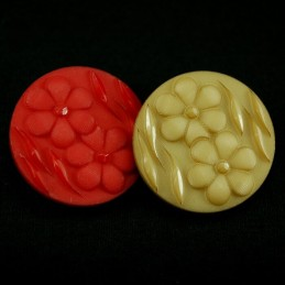 Pair Of Daisy Heads 28mm Acrylic Plastic Buttons